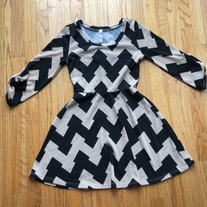 Alya Dresses - Cute, fall/winter dress